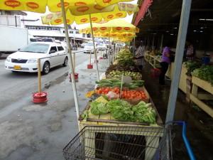 November 2014: Paramaribo, ingang Combemarkt (foto: René Hoeflaak)