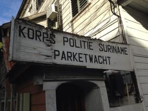 Paramaribo, politiepost aan de Lim a Poststraat (foto: René Hoeflaak)