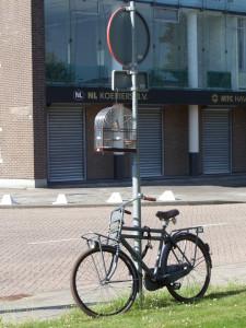 Opwarmen voor de volgende tweestrijd langs het Parmentiersplein in Rotterdam (foto: René Hoeflaak)
