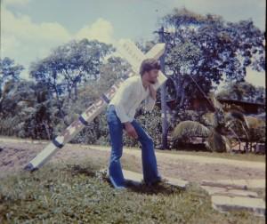 1975: Engel in Suriname (archief: Engel Weijs)