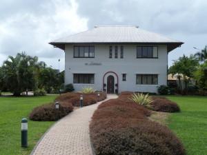 Februari 2014: Suriname, Paramaribo:  Het Surinaamsch Rumhuis op het terren van de S.A.B. rumfabriek (foto: René Hoeflaak)