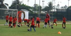 Feyenoord Soccer Camp (foto: www.cluboase.sr)