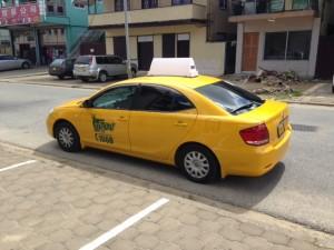 Paramaribo, november 2014: Yellow Cab taxi van Taxi 1660 (foto: René Hoeflaak)