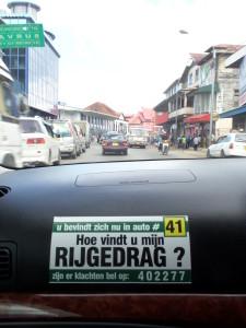 Taxi in Paramaribo, november 2014: De klant staat centraal. (foto: René Hoeflaak)l.