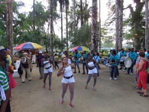 Brassband in de Palmentuin in Paramaribo, november 2014. (foto: René Hoeflaak)