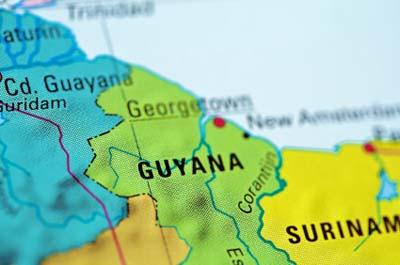 Grensgebied Suriname-Guyana (bron kaart: http://www.caribbean360.com/)