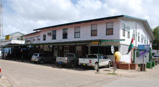Suriname, ministerie van Regionale Ontwikkeling aan de Rooseveltkade in Paramaribo (foto: www.gov.sr)