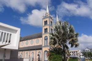 Maart 2016: Paramaribo: Sint Petrus en Pauluskathedraal (foto: René Hoeflaak)