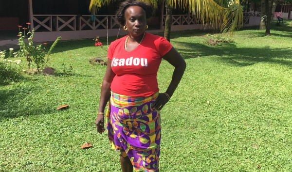 Isadou, Suriname: Selientje Adipi (foto: René Hoeflaak)