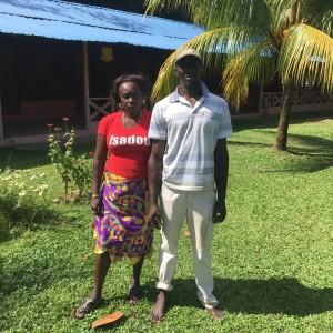 Isadou, Suriname, 12 februari 2017: Selientje Adipie en bootsman Menno  (foto: René Hoeflaak)