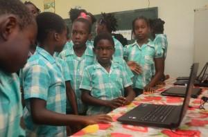 Leerlingen Granman Forsterschool (foto: Stichting d'ONS)
