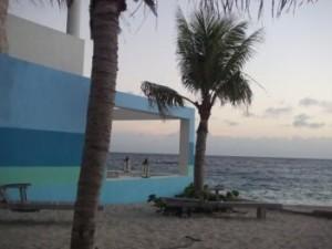 Januari 2010: zonsondergang in Pietemaai op Curaçao (foto: Rene Hoeflaak)