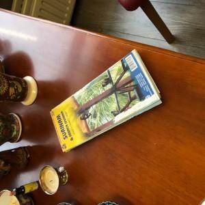 Na 25 jaar ligt de kaart van Suriname bij Dorine thuis nog steeds binnen handbereik (foto: René Hoeflaak)
