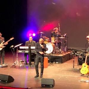Powl Ameerali op het podium van theater Zuidplein in Rotterdam, 31 maart 2019 (foto: René Hoeflaak)