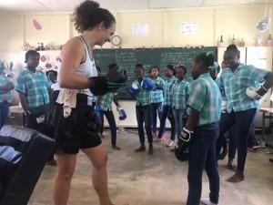 Jacqueline Janssens tijdens de workshop in Suriname, maart 2019 (foto: Jacqueline Janssens)